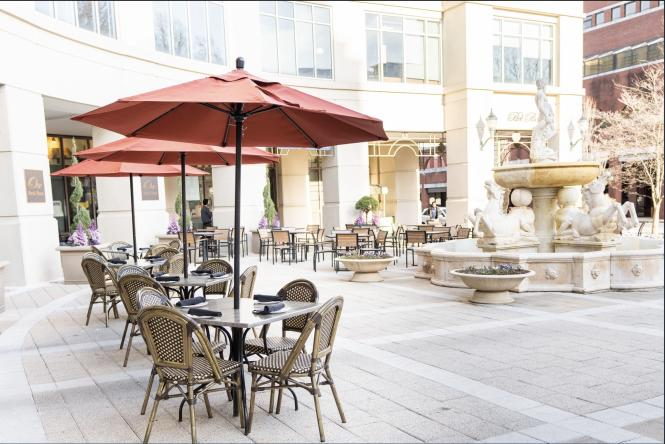 Outdoor patio at Carpaccio Tuscan Kitchen and Wine Bar.