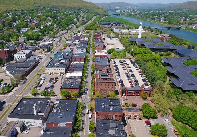 Corning Ny Americas Most Fun Small Town Finger Lakes Region