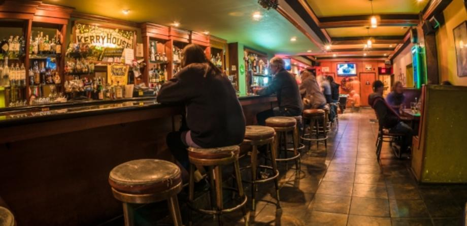 Where To Find A Dive Bar In Oakland, CA