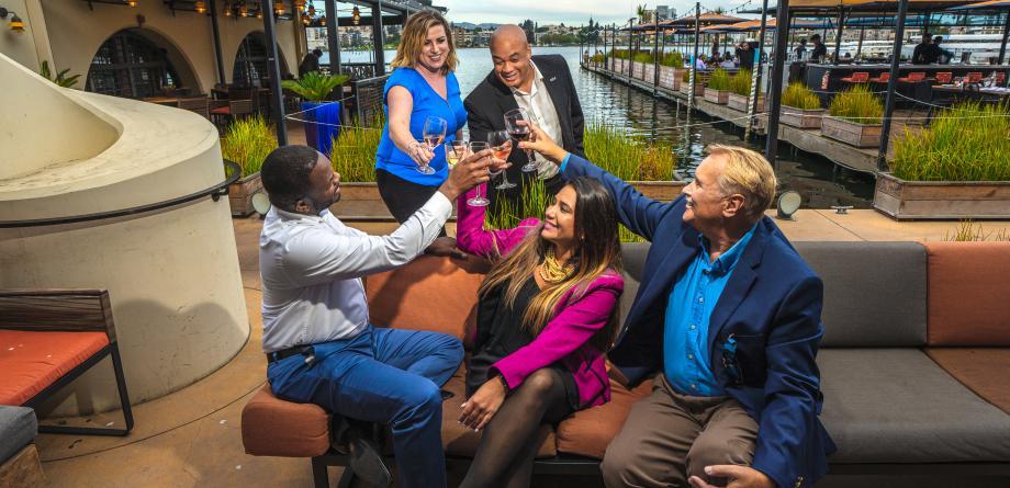 Meeting Planner Group Lake Chalet cheers