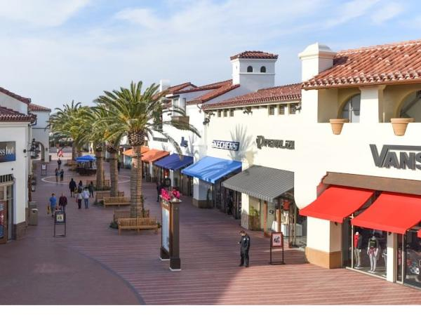 The Outlets at San Clemente