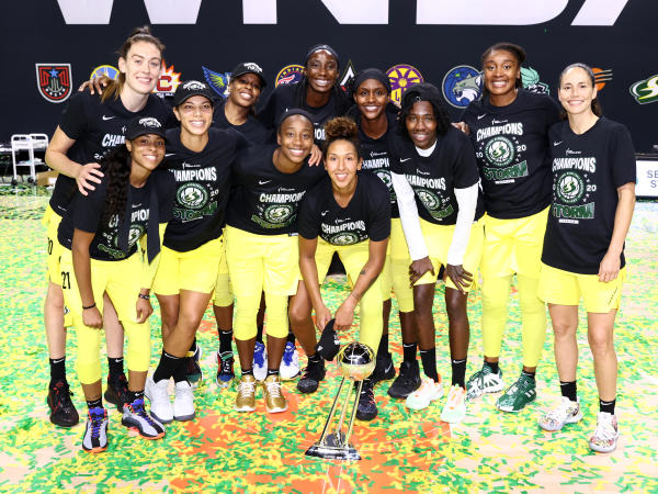 A group photo shows how the women's Seattle Storm basketball team looks.
