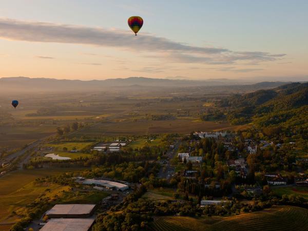 hotairballoons_istock_aug2014_1600w