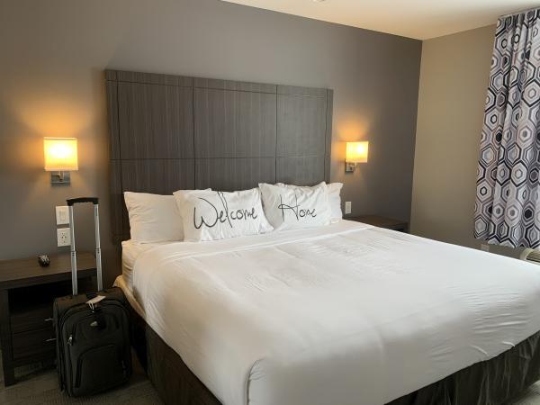 Home Inn welcome home bedding