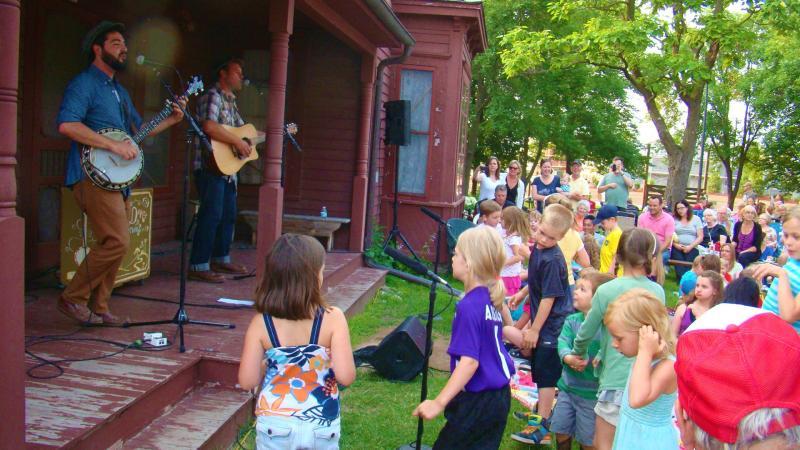 Music concert at Historic Eidem Farm