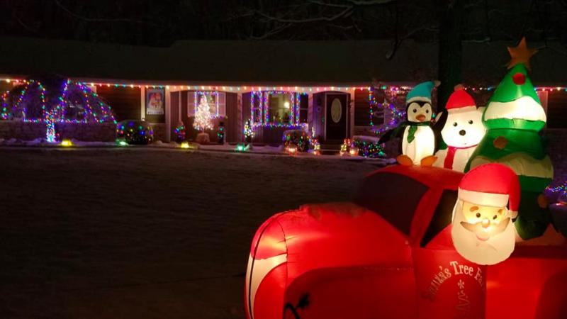 Mooresville's Christmas Light Tour is a safe, no-contact way to enjoy some holiday cheer!