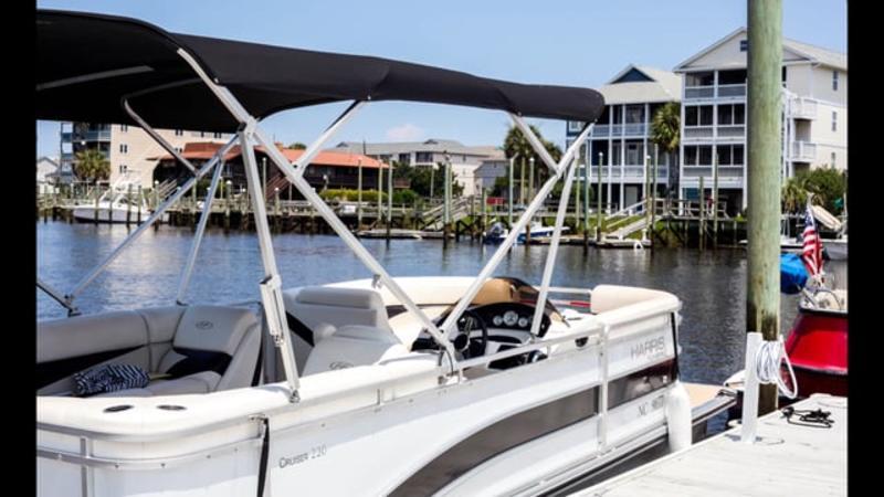 Go Local - Carolina Beach Pontoon Rental