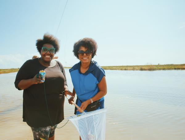 Loving This Life Jada and Brandy Evans, crabbing