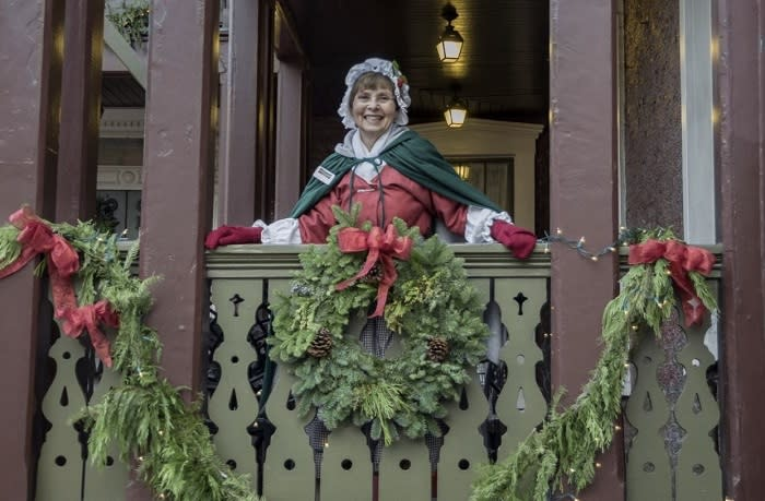 Celebrate-the-Holidays-and-History-4