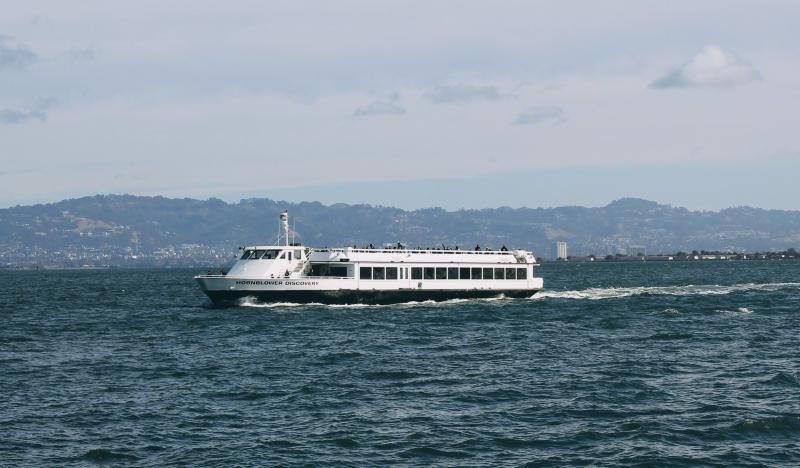 Cruise-to-Alcatraz-island-with-alcatraz-cruises