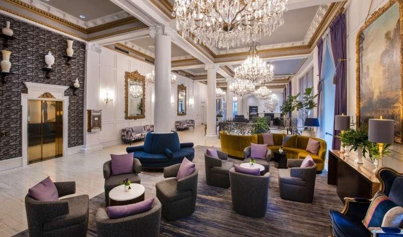 Le Pavillon Hotel Tour