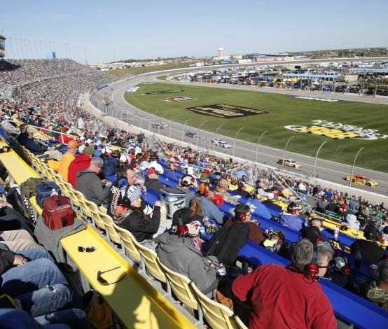 Kansas Speedway Fans