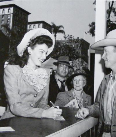 Ava Gardner selling war bonds at Victory House in Pershing Square, Los Angeles, 1942