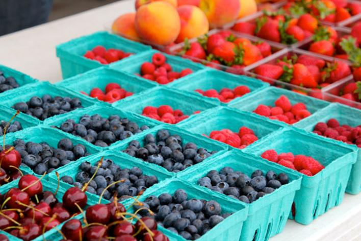 Cherries, Blueberries and strawberries at a Des Moines Farmers' Market