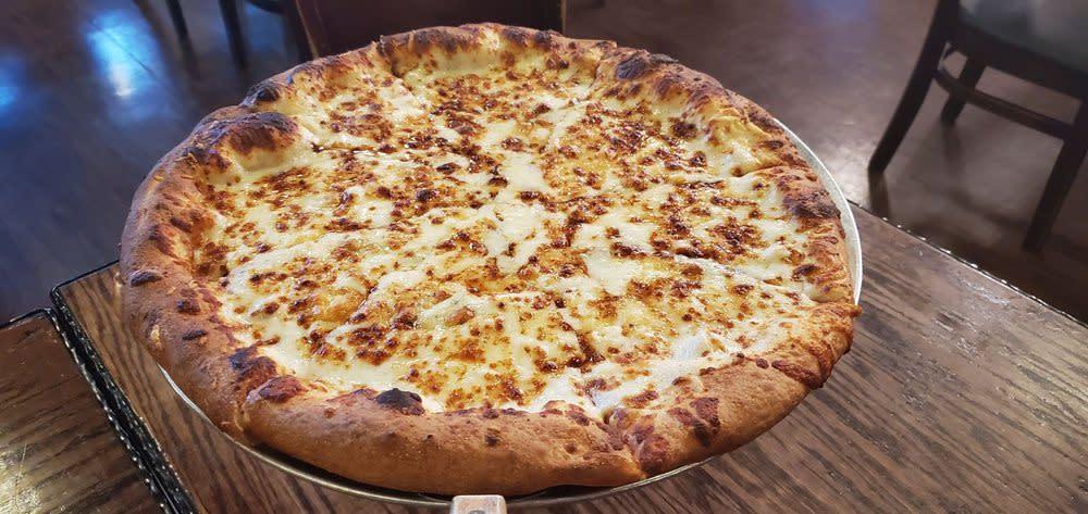 Da Boyz Da 5 Cheese Pizza