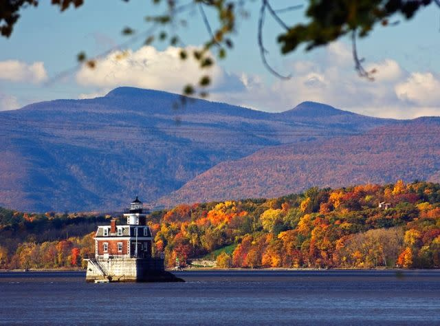 Hudson-Athens Lighthouse - Fall