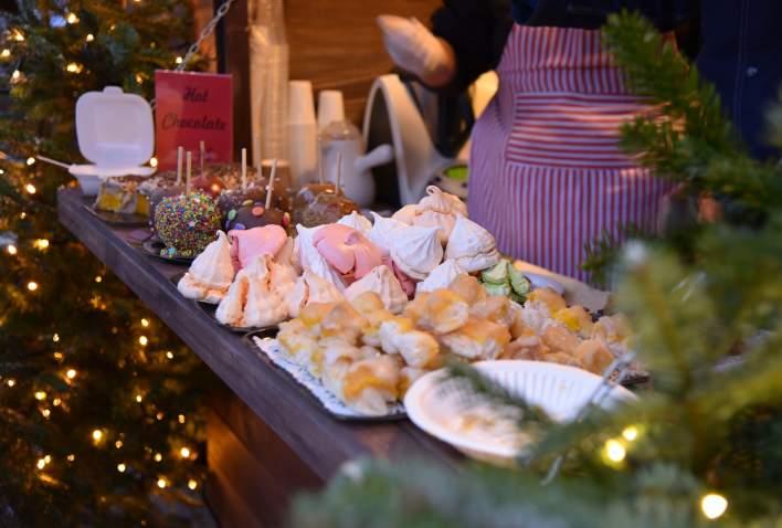 Julebakst og julegodter på julemarked Kristiansand