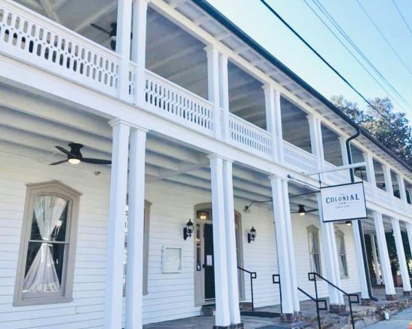 Colonial Inn Downtown Hillsborough