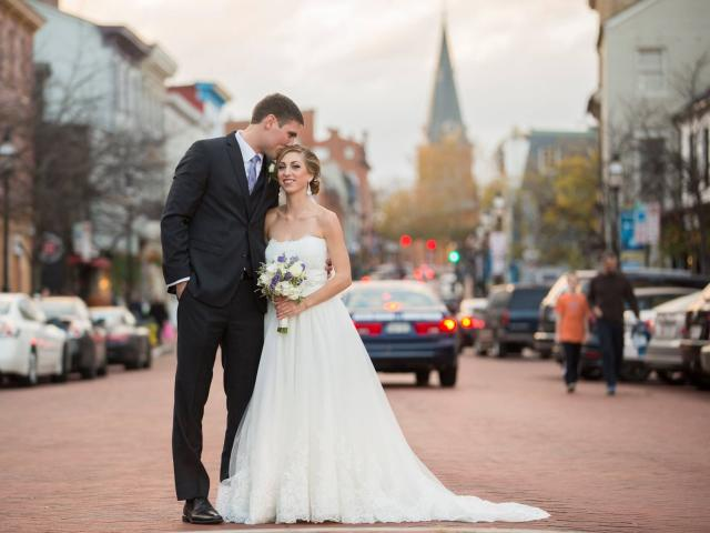 Couple in Downtown Annapolis