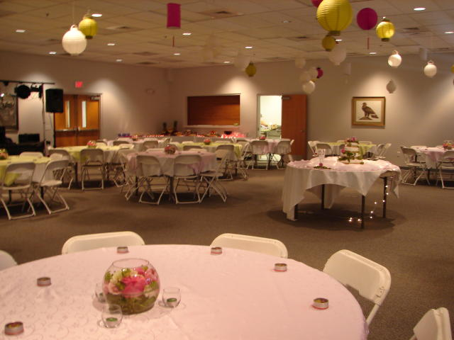 Round Tables with Centerpieces