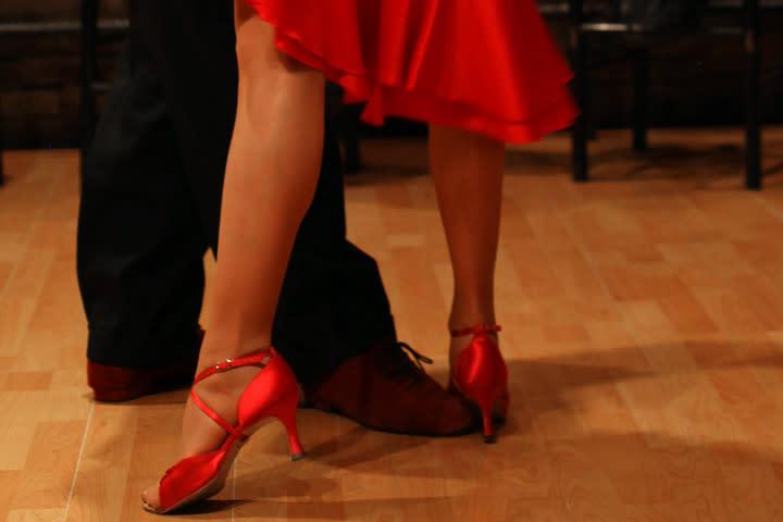 33642-tango-Medium