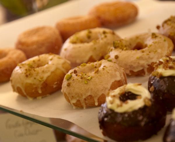 mojo_donut_tray