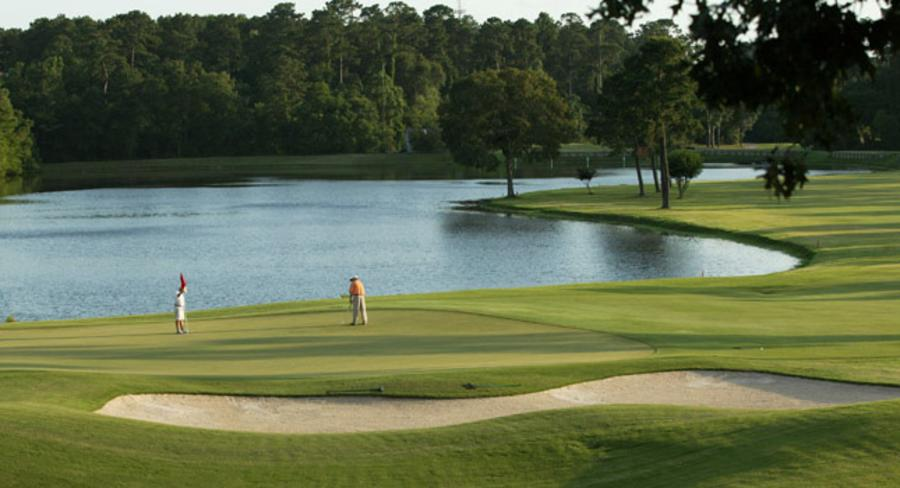 Golfing at The Oaks at The Woodlands Resort