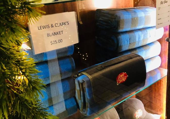 Lewis & clarks blanket
