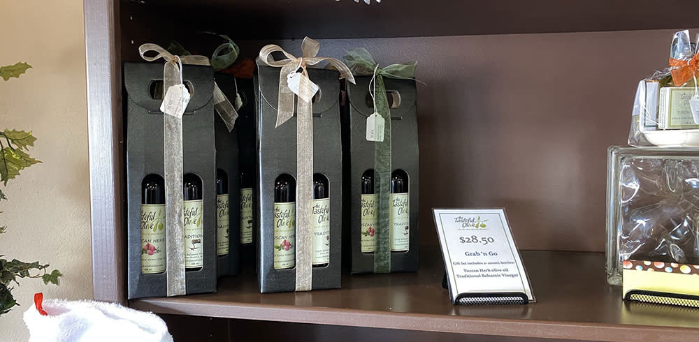 gift-sets-from-the-tasteful-olive-overland-park