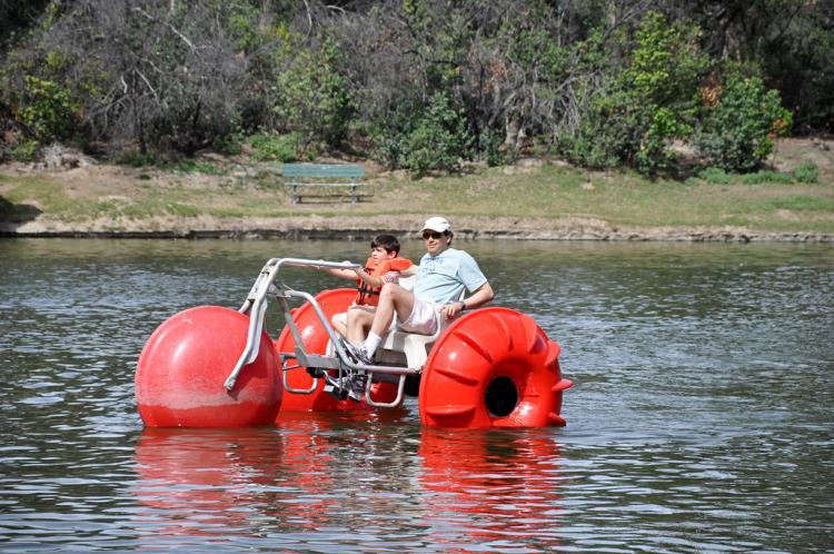 Wheel Fun paddle boat