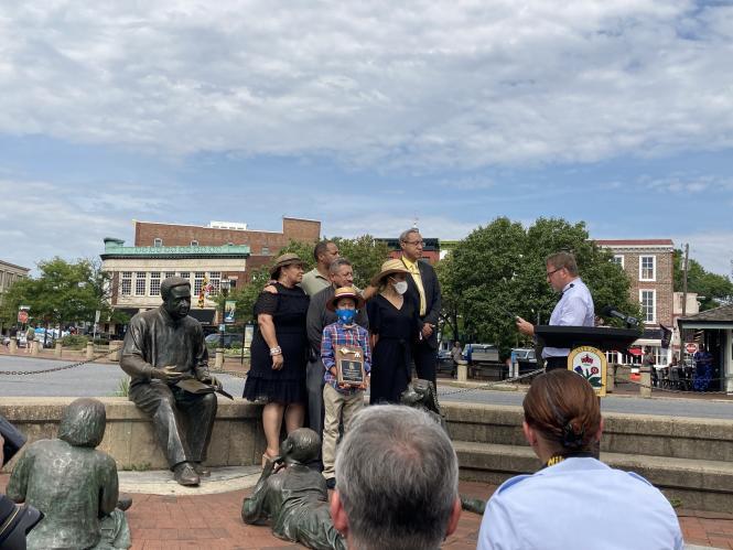 Haley family stands with mayor Gavin Buckley circa August 2021