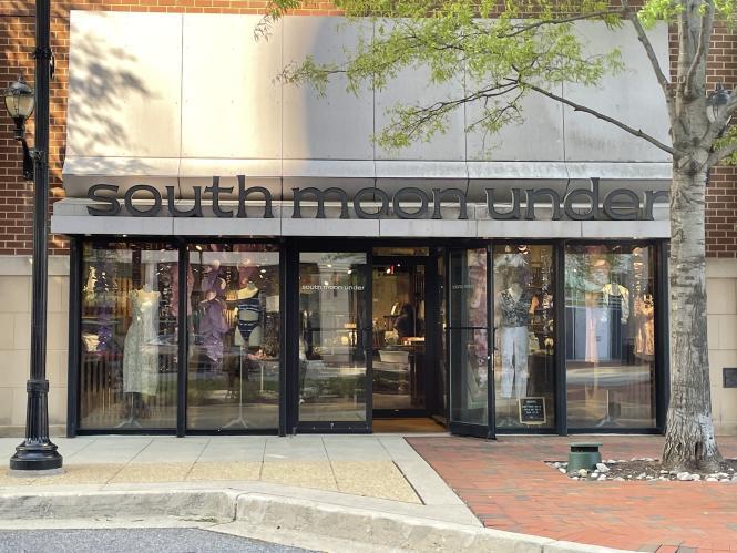 South Moon Under store facade at Annapolis Town Center