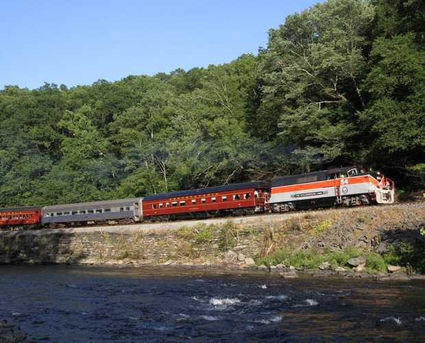 Pocono Mountains Train Tours | Rail Rides | Sightseeing