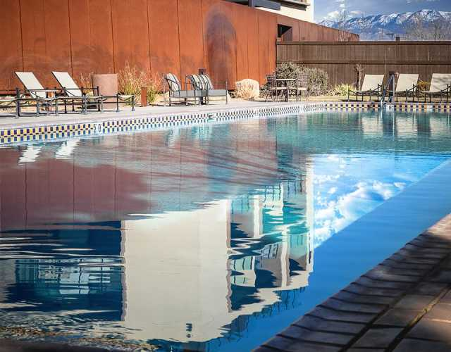 Cool Off In Albuquerque S Outdoor Swimming Pools