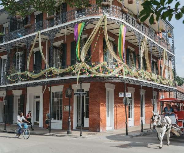 Unique Guest Book Ideas for Your New Orleans Destination Wedding