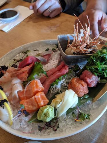 Kiyo Sushi & Sake