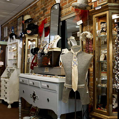 Carlisle and Linny Boutique in Hillsborough