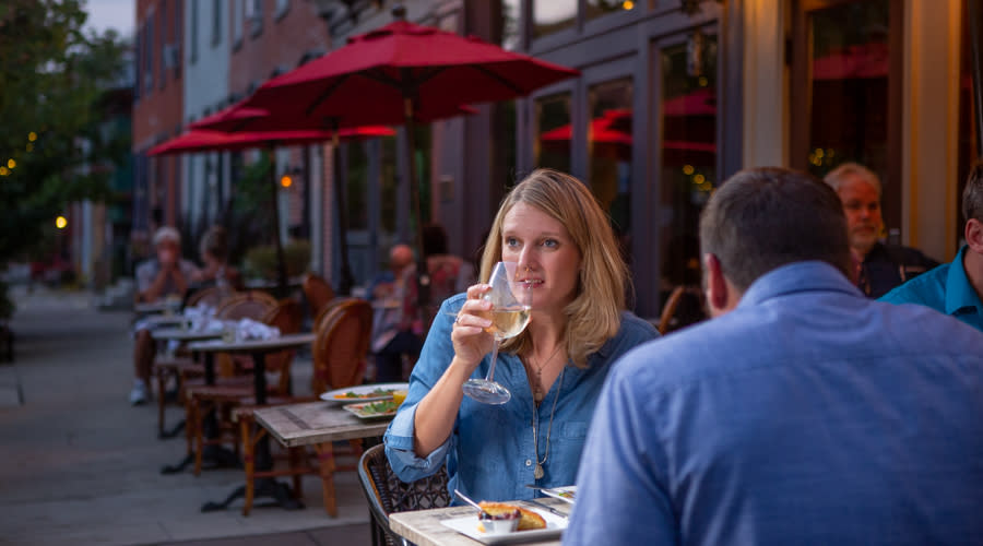 Mangia Qui Harrisburg Outdoor Dining Couple