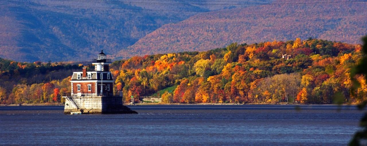 Hudson-Athens Lighthouse - Fall
