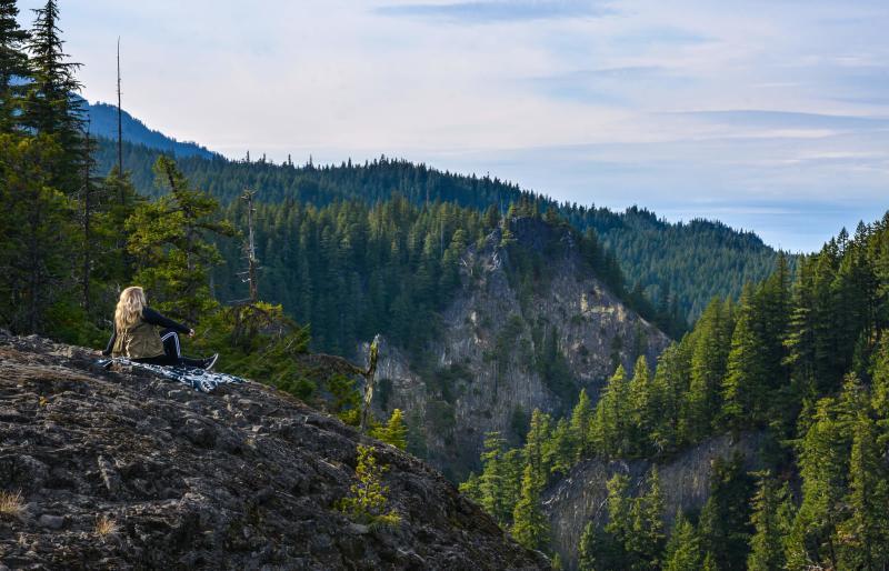 Diamond Creek Falls Trail