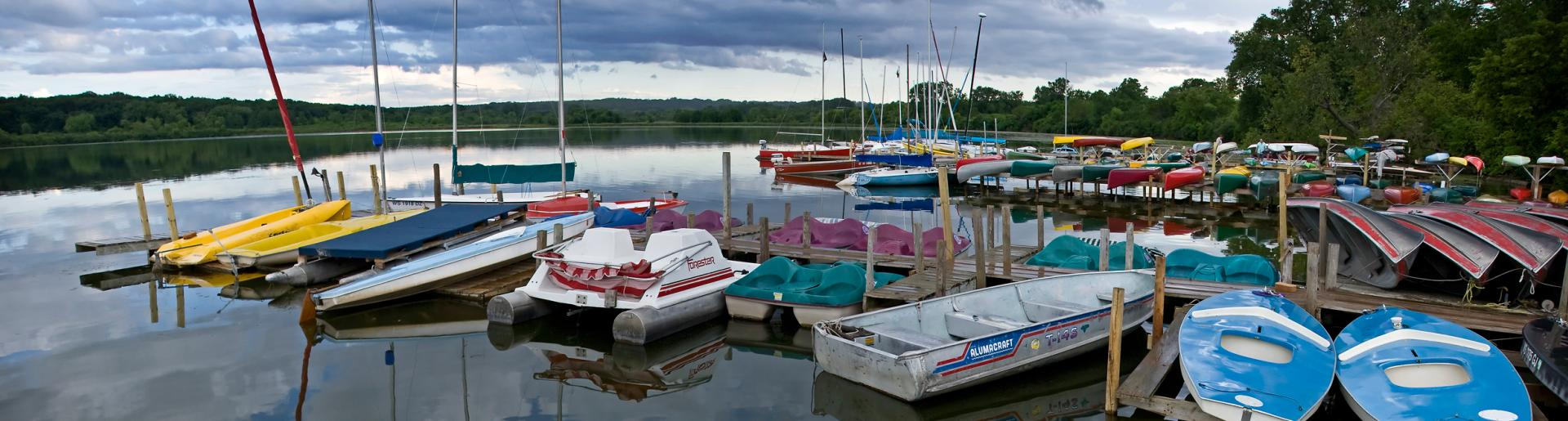 Cruises Boat Rentals On The Lakes In Madison Wi