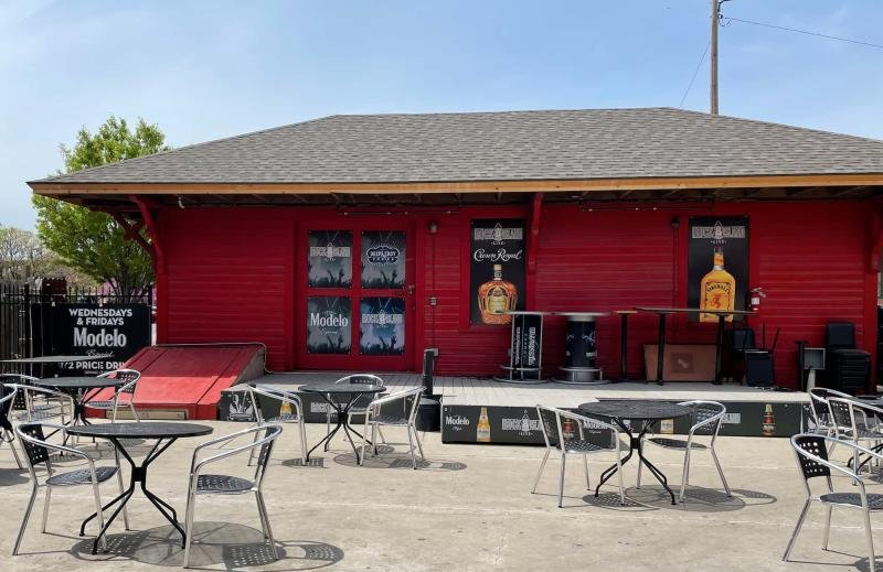Rock Island Live Patio Connected to Emerson Biggins Old Town