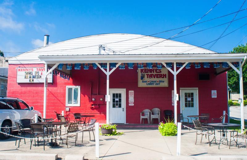Exterior of Kenny's Tavern