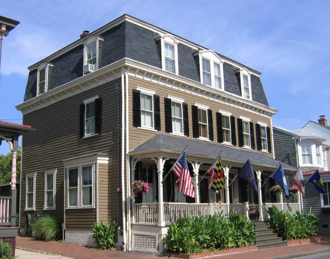 Flag House Inn exterior in Annapolis, MD.
