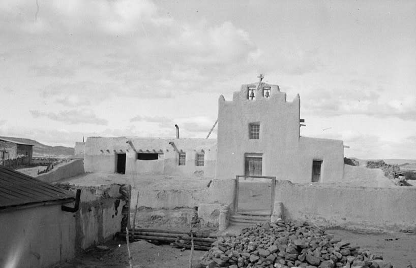Laguna Pueblo Mission