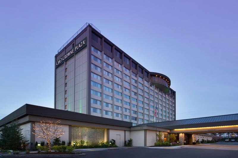 Crowne Plaza Seattle Airport exterior. Hotels near Seattle Airport