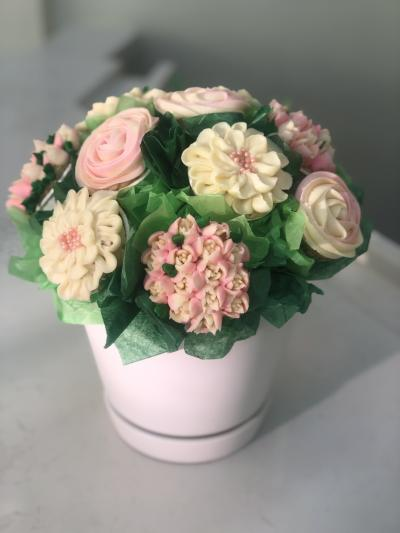 Adelphi Cupcake Bouquet