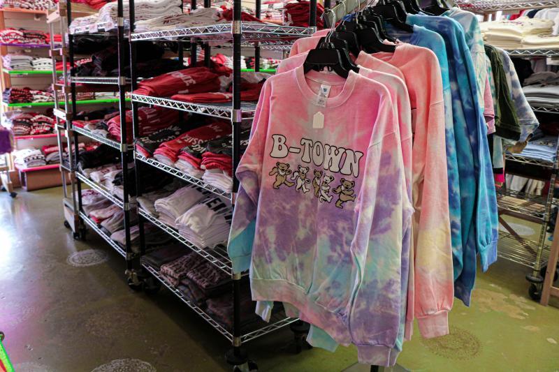 IU t-shirts and crewneck sweatshirts at Greetings