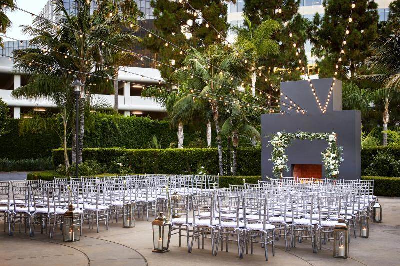 Irvine Marriott wedding patio