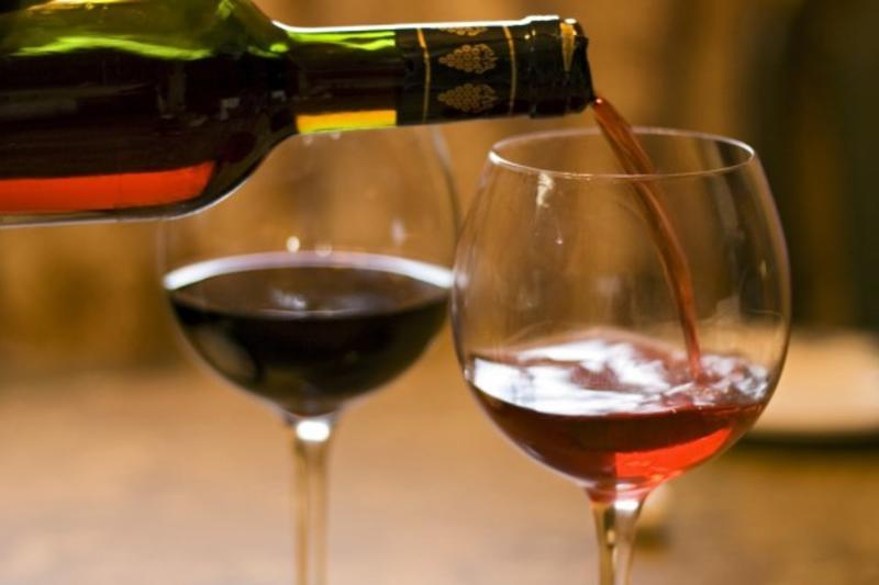 Pour Wine Bar & Bistro